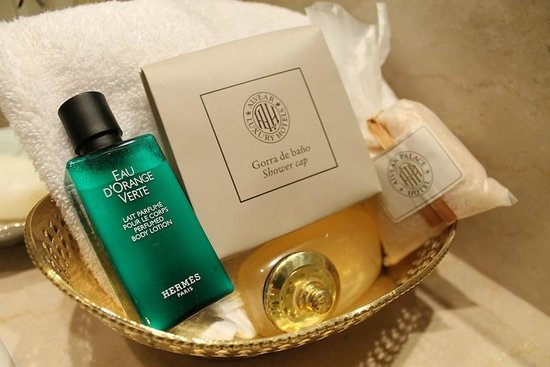 Alvear Palace Hotel:                                     bath products