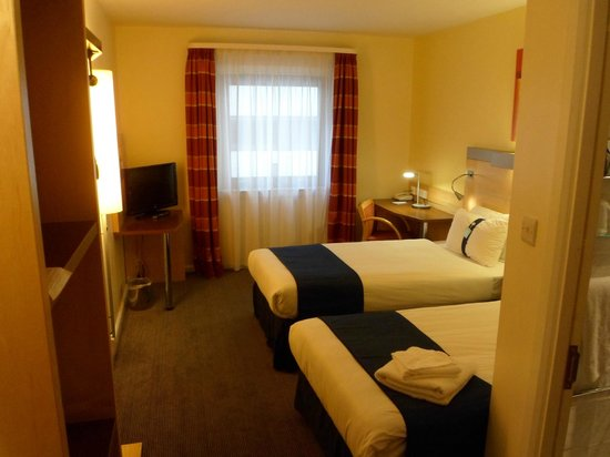 Holiday Inn Express London Croydon: Room