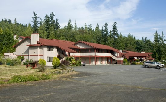 Sequim Bay Lodge: Front of Lodge