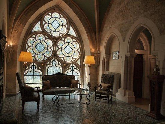 Abbaye de la Bussiere :                   Le coin de lecture