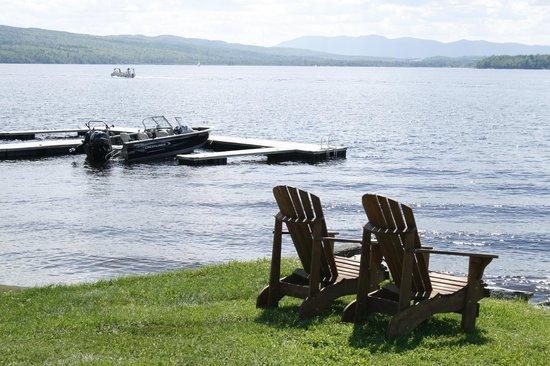 Auberge et Chalets sur le Lac: Le bord de l'eau