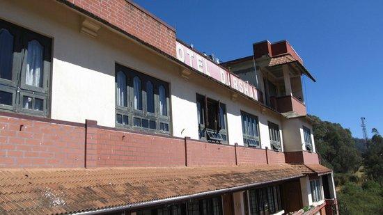 Hotel Darshan Ooty:                                     3
