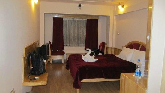 Hotel Darshan Ooty:                                     1