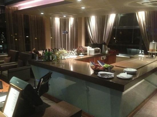 Skybar:                   lounge