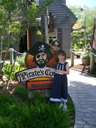 Pirate's Cove Adventure Golf :                   Pirate's Cove