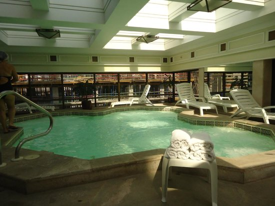 Regal Pacific Hotel:                   SPA - piscina de hidromassagem