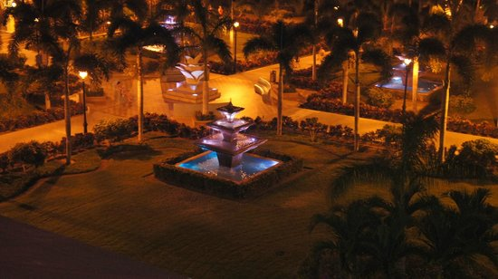 Hotel Riu Guanacaste: Hotel view at night