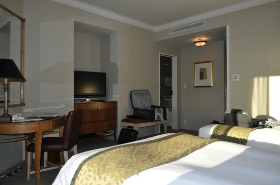 Yokohama Royal Park Hotel: Twin Standard Room
