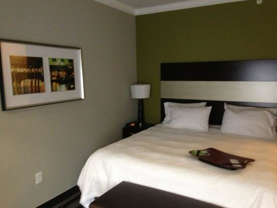 Hampton Inn Leesville/Ft. Polk:                                                       room
