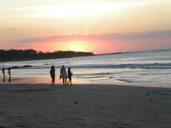 Tamarindo Village Hotel :                                     promenade romantique