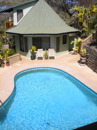 Tamarindo Village Hotel :                                     piscine commune