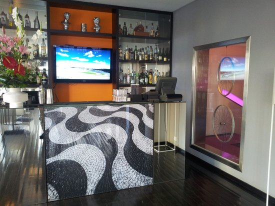 Internacional Design Hotel:                   bar