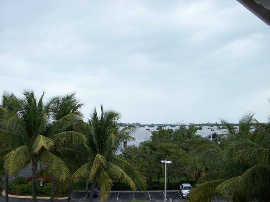 DoubleTree by Hilton Hotel Grand Key Resort - Key West: Balcony view - not the pool side but fine