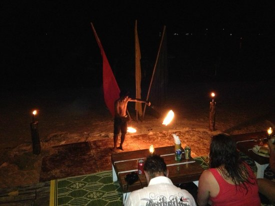 Bay View Resort: Fire dancers on the beach