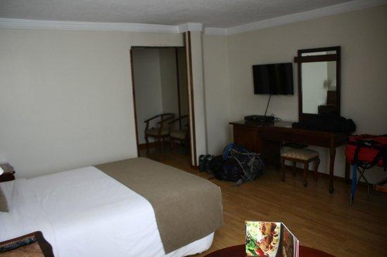 Hotel Reina Isabel: Room 604