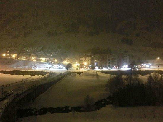 Hotel Galanthus & Spa:                   Vista por la noche