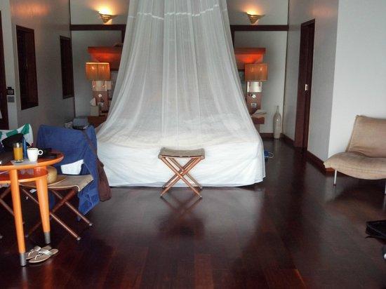 Sofitel Moorea Ia Ora Beach Resort: Deluxe overwater bungalow.