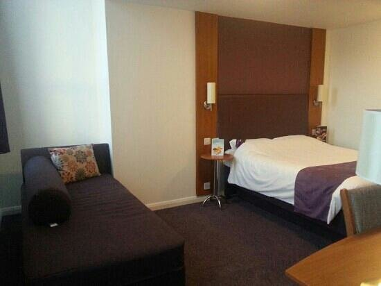 Premier Inn Kidderminster Hotel:                   Thw room                 