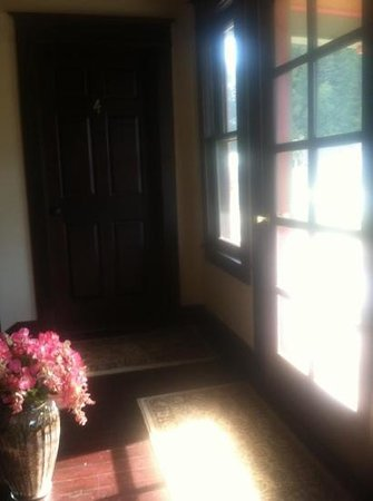Hercules Inn :                   door to room
