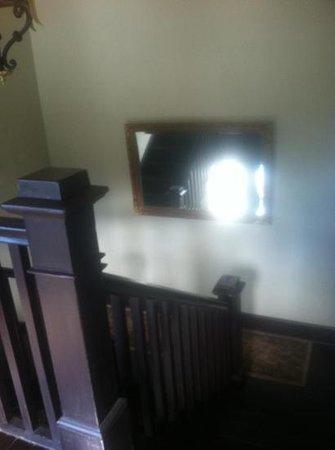 Hercules Inn:                   stairwell