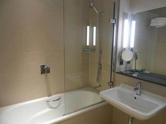 The Nadler Liverpool: sparkling clean bathroom