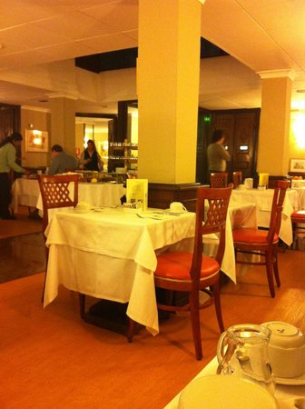 Hotel Oxford :                   breakfast & dinning room