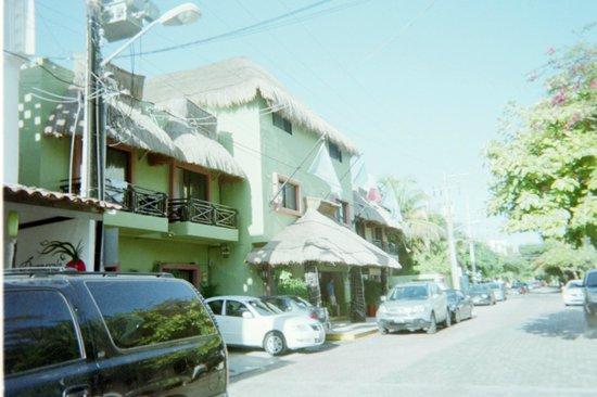 Hotel Aventura Mexicana:                   Main Entrance