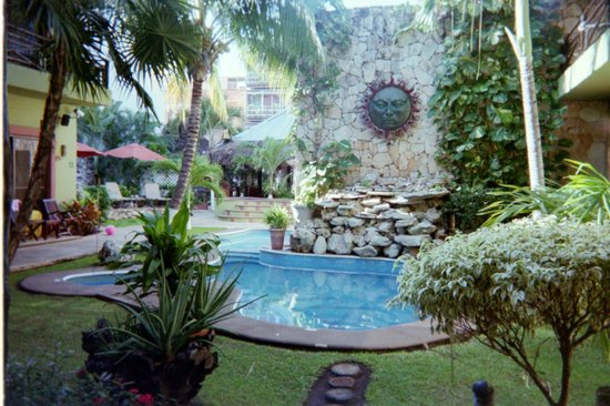 Aventura Mexicana:                   Pool with waterfall