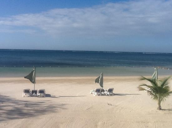 Pristine Bay Resort :                   Pristine playa
