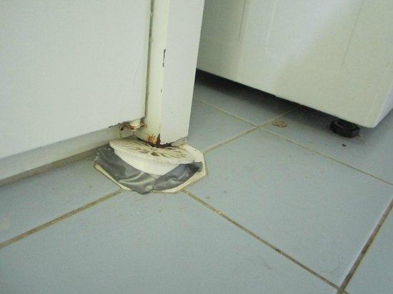 Samarinda:                   Bathroom drain