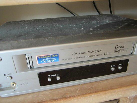 Samarinda:                   DVD player covered in filth