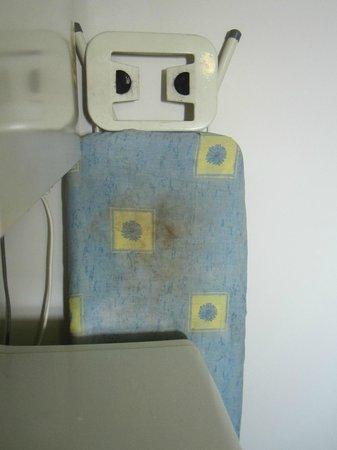 Samarinda :                   Dirty ironing board