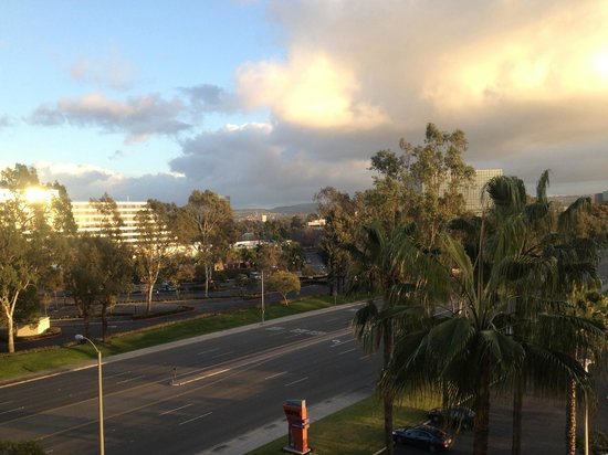 Radisson Hotel Newport Beach:                   View was clear to mountains
