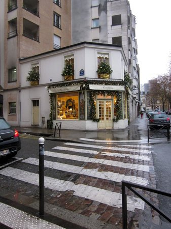 Home MODERNE:                   This is the wonderful pastry shop past the hotel, it is very inexpensive, and
