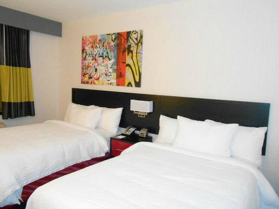 Fairfield Inn & Suites New York Queens/Queensboro Bridge: Beds