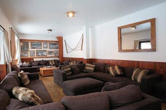 Les Chardons :                                                       YSE Sitting Room
