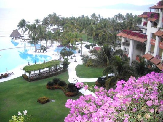 Grand Velas Riviera Nayarit: Lots of Flowers