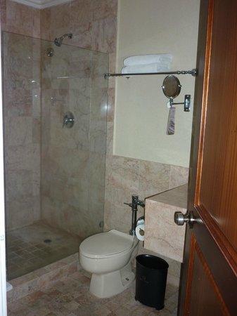 Veneto Hotel & Casino:                   un baño super limpio y cómodo