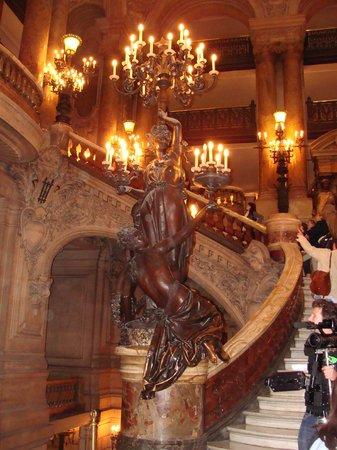 Palais Garnier - Opéra National de Paris: Escalera central teatro de la Opera de Paris