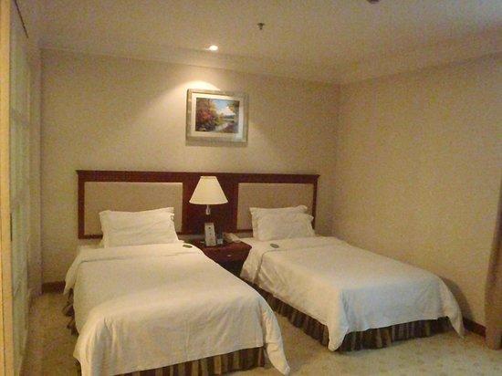 Metropark Hotel Shenzhen:                   The twin bedroom