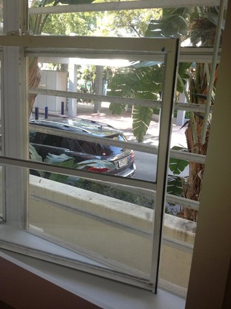 Greenview Hotel:                   broken window