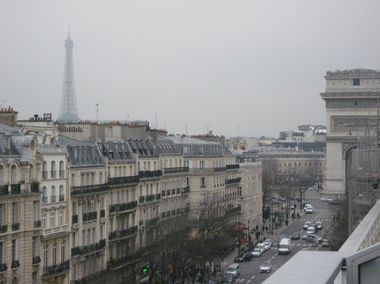 Renaissance Paris Arc de Triomphe Hotel:                   Daytime view from balcony