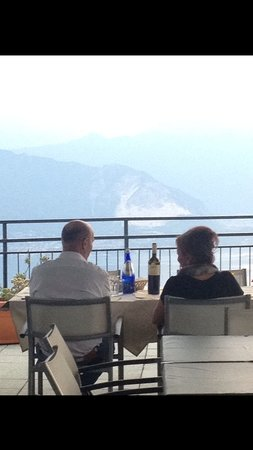 Terrazza ristorante funivia - Foto di Funivie del Lago Maggiore ...