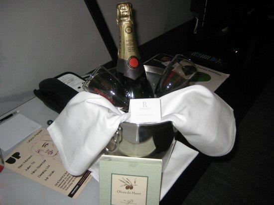 Renaissance Paris Arc de Triomphe Hotel:                   Anniversary Gift!
