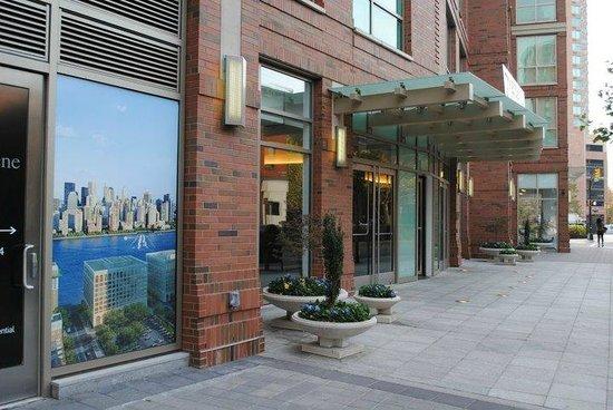 NYC-JC Guest Suites:                   Entrance