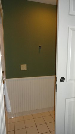 Sleep Inn & Suites of Lake George :                   that sliding door