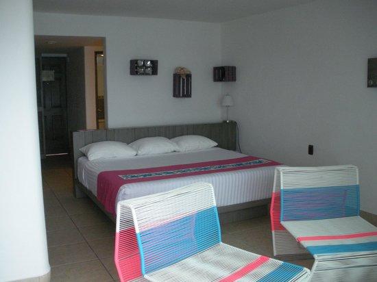 Hotel B Cozumel:                   room