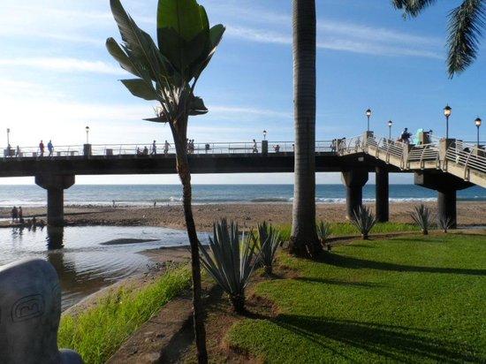 Tropicana Hotel:                                     The pier