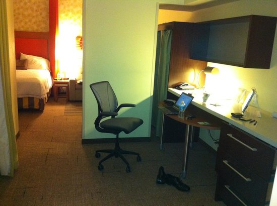 Home2 Suites by Hilton San Antonio Downtown - Riverwalk :                   Nice study area