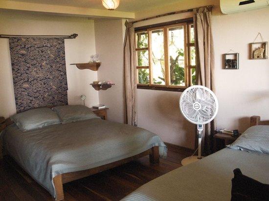 Hotel Amor de Mar:                   Room 8